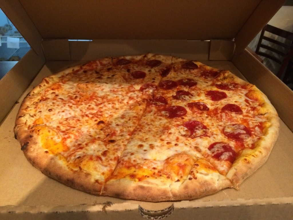 "18"" New York Round with Pepperoni"